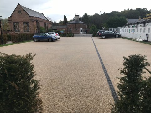 stunning golden resin bound car park