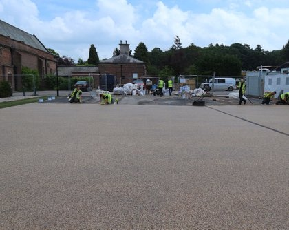 Commercial resin bound paving during install